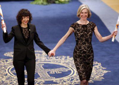 CRISPR: Emmanuelle Charpentier et Jennifer Doudna récompensées par le prix Nobel de chimie