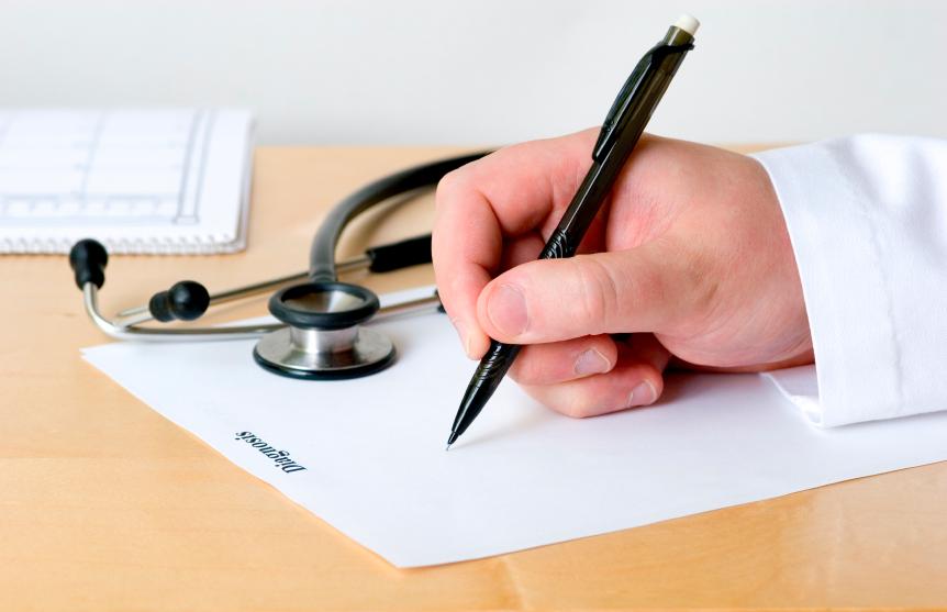 Soupçonné d'euthanasies, un médecin est mis en examen pour « assassinats »