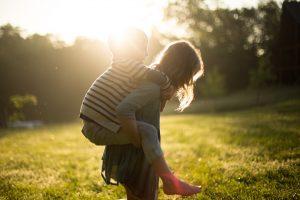 Handicap dans la fratrie : une étude montre l'impact positif sur les frères et sœurs