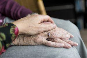 Une proposition de loi pour créer un droit de visite pour les malades, les personnes âgées et handicapées