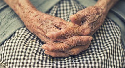 hands-1209337_640b