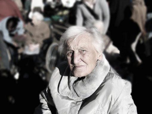 « Les atteintes à la dignité des personnes âgées atteignent aussi notre dignité »