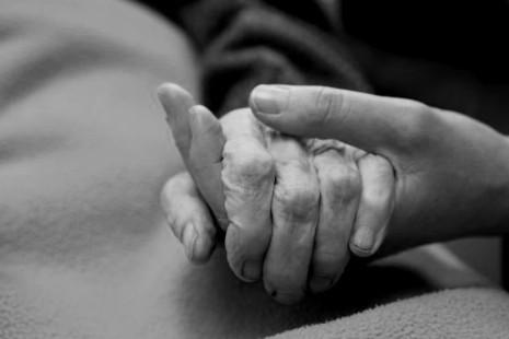 Soins palliatifs : un bilan mitigé, un plan retardé
