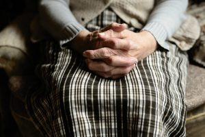 """Euthanasie: """"On n'oblige personne à [la] demander, mais on oblige tous les patients à l'envisager"""""""