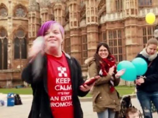 """Heidi Crowter, jeune anglaise atteinte de trisomie 21 s'adresse au ministre de la santé: """"Ne nous éliminez pas !"""""""