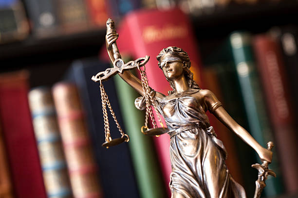 statue_justice_-_freeimages