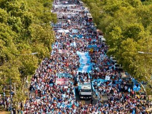 2,400,000 people in Argentina demonstrate against abortion