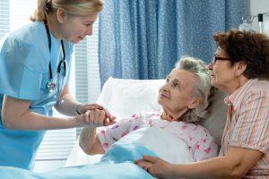 Autonomie et grand âge: de nouvelles mesures prévues dans le budget de la Sécurité Sociale