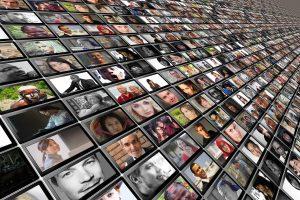 Passe sanitaire : un « risque de glissement vers des pratiques de surveillance sociale générale »